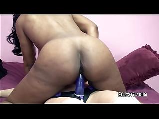 Lavender Rayne is fucking wild black lesbo Kelly Stylz
